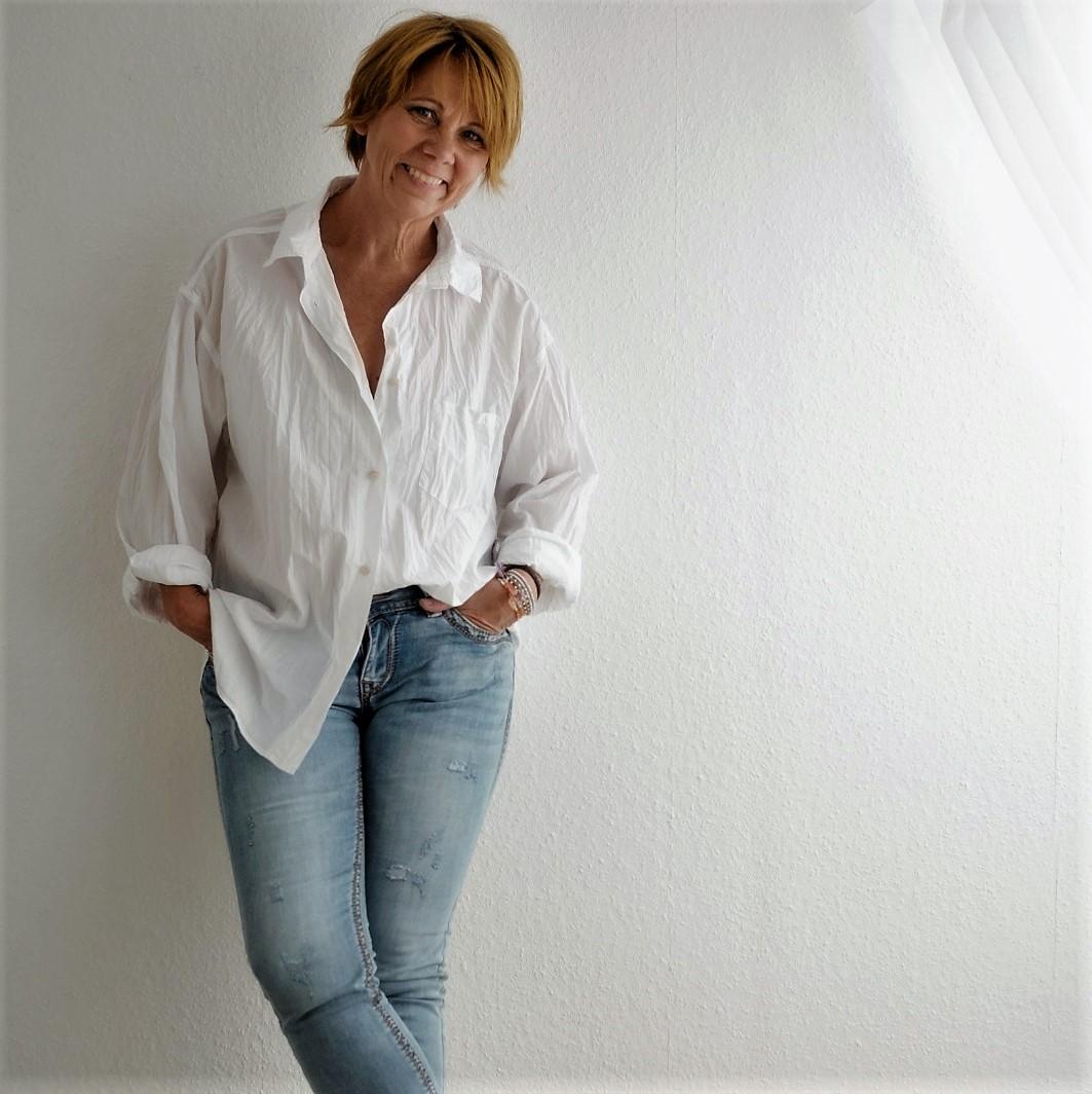 Astrid Hess